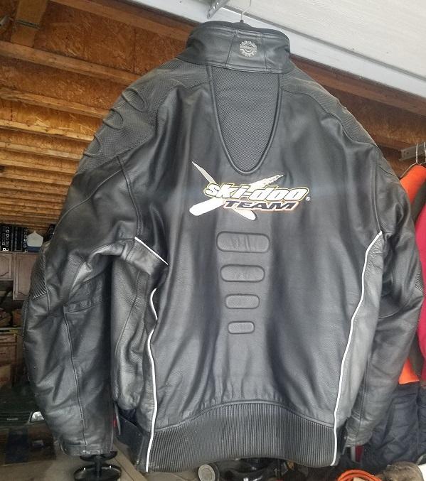 Click image for larger version  Name:Skidoo jacket back.jpg Views:5 Size:171.8 KB ID:2079790