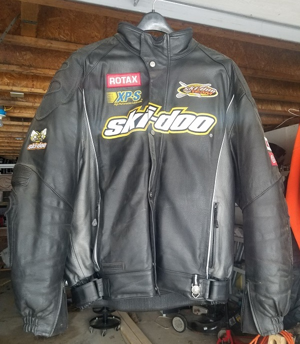 Click image for larger version  Name:Skidoo jacket front.jpg Views:5 Size:180.1 KB ID:2079788