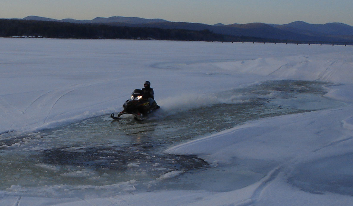 Click image for larger version  Name:Waterskippin.jpg Views:123 Size:109.6 KB ID:278886